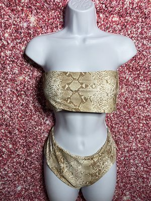 Gold 2 piece bathing suit 👙 for Sale in Plantation, FL