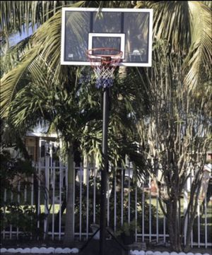 Basketball hoop need gone ASAP great condition for Sale in Hialeah, FL
