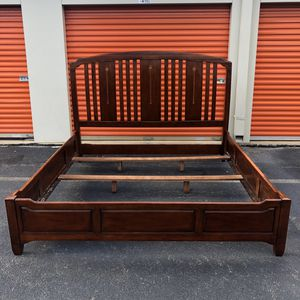 King Bed Frame for Sale in Woodbridge, VA