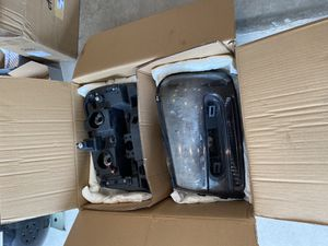 2008 trailblazer headlights for Sale in Tacoma, WA