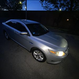 2010 Ford Taurus for Sale in Johnston, RI