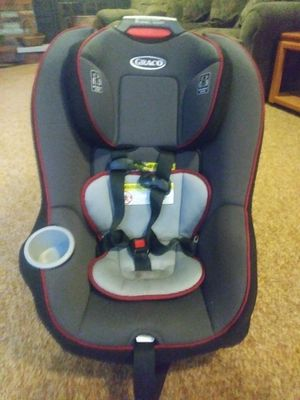 Graco adjustable car seat originally 150 for Sale in Brook Park, OH