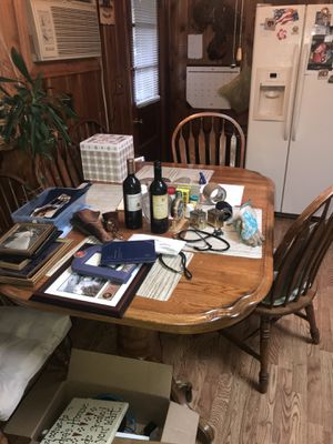 ☀️Kitchen table and 6 chairs $125. for Sale in Lambertville, NJ