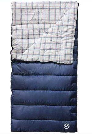 New Magellan Oversized Fleece 30° Sleeping Bag for Sale in Pasadena, TX