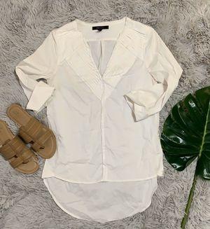 Bcbgmaxazria White vneck tuxedo blouse size s for Sale in Canyon Lake, CA