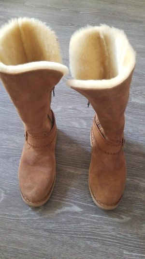 Ugh boots, women size 5 for Sale in Tewksbury, MA