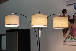 81 inch H Espresso Triple Shade Floor Lamp, 6939ES for Sale in Bell Gardens, CA