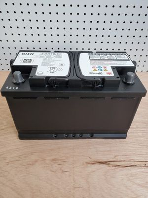 AGM Car Battery Group Size 94R/H7 2019- $100 With Core Exchange/ Bateria AGM Para Carro Tamaño 94R/H7 2019 for Sale in South Gate, CA
