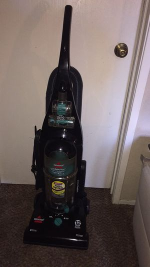 Bissell vacuum for Sale in Modesto, CA