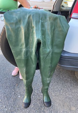 American Camper Vulcanized Rubber Chest Wader (size 6, feels like an 8?) for Sale in Everett, WA