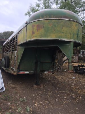 Gooseneck livestock trailer for Sale in Lockhart, TX