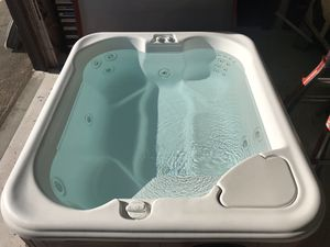 Hot springs Jet setter hot tub spa for Sale in Seattle, WA