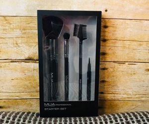 Make up brushes for Sale in Glendale, AZ