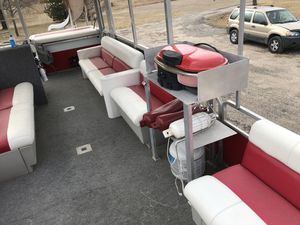 Tritoon party boat for Sale in Benton, KS