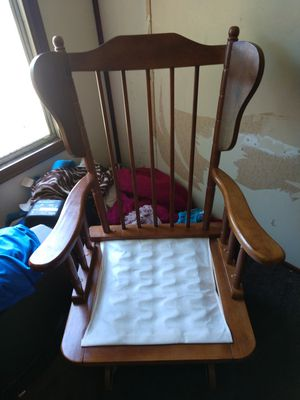 Rocking chair for Sale in Muncy, PA