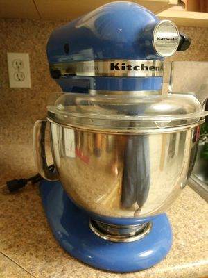 KitchenAid tilt-head stand mixer for Sale in Miami, FL