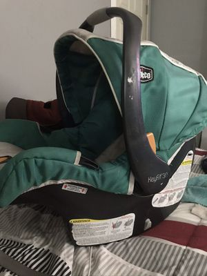 Chicco keyfit 30 infant car seat for Sale in Pompano Beach, FL