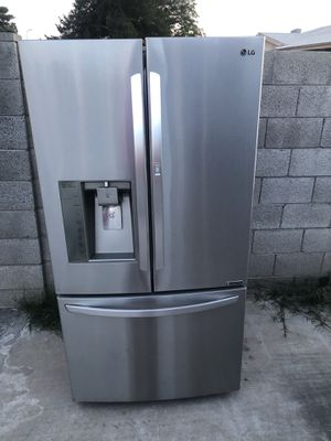 Refrigerator LG stainless steel for Sale in Phoenix, AZ
