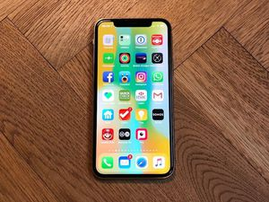 Iphone X/256Gb/SpaceGrey + Airpods... phone and airpods(used) (Perfect Conditions) for Sale in East Rutherford, NJ