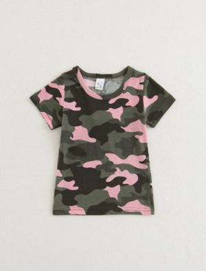 Kids girls pink and camo T-shirt for Sale in Fayetteville, TN