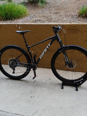 2019 giant fhatom 1 mountain bike for Sale in Vista, CA