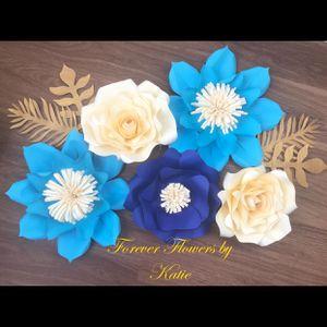 Paper flower decorations for Sale in Lake Ridge, VA