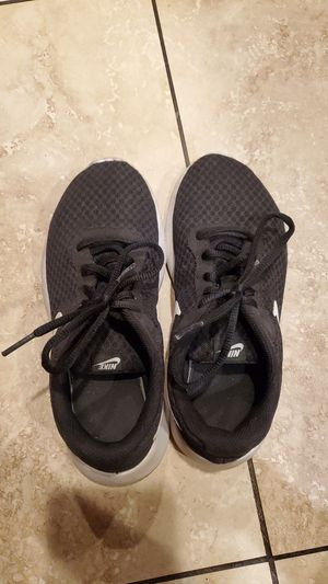 Nike black running shoes in size 3 Youth for Sale in Milpitas, CA