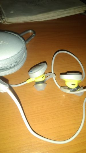 Bose soundsport wireless in ear for Sale in Neptune City, NJ
