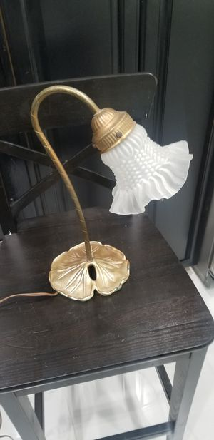ANTIQUE BRASS NIGHT STAND / DESK LAMP FLORAL BRASS, AND GLASS SHADE NICE NICE CONDITION!!15X6 for Sale in Fort Lauderdale, FL
