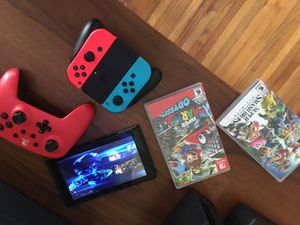 Nintendo Switch + Extra Controller and 3 Games for Sale in Orlando, FL