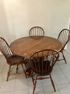 Dining table and chairs for Sale in Miami, FL