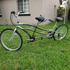 Double Seat bicycle like new 21 Speed for Sale in Miami, FL