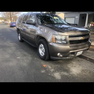 2011 chevy suburban smogged $7800 bo please read ad for Sale in Modesto, CA