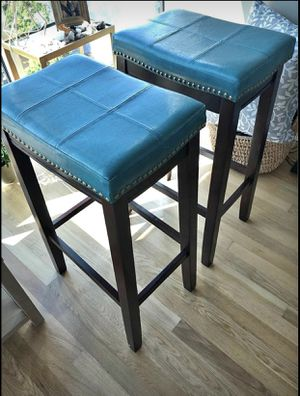 2 bar stools and free 24x30 Mirror! for Sale in Charlotte, NC