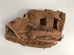 Vintage broken in Softball Glove for Sale in Oxford, MA