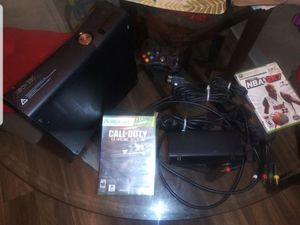 Xbox 360 with 2 games - Xbox 360 con 2 juegos for Sale in Modesto, CA