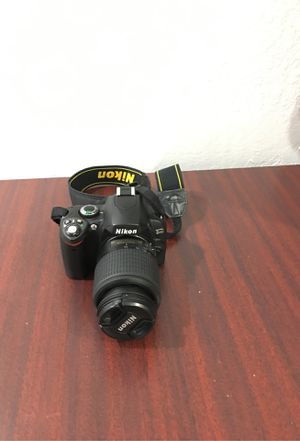 Nikon D40 with DX 55-200mm lens. for Sale in Lake Worth, FL