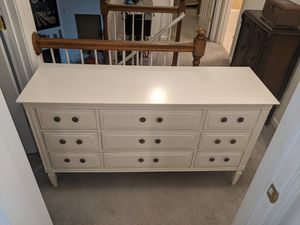 Dresser for Sale in Holly Springs, NC