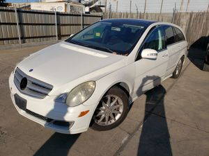 2006 Mercedes r350 r500 for parts cheap for Sale in Rocklin, CA
