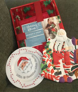 2 Ceramic Christmas Plates ~ Santa Plate and Milk & Cookies with Santa Plate ~ New & Holiday Plush Reader's Wrap ~ New in Box for Sale in Royal Palm Beach, FL