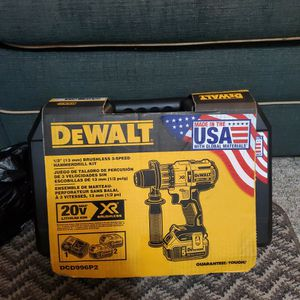 """Dewalt 1/2"""" Brushless 3 Speed Hammerdrill KIT with 2 Batteries And Charger for Sale in Mount Vernon, WA"""