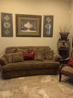 Couch With 2 Chairs for Sale in Phoenix,  AZ