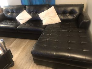 Nice dark brown leather sectional sofa for Sale in Arvada, CO