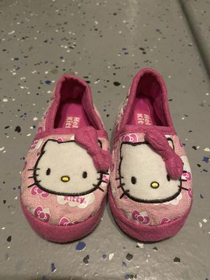 Toddler girl hello kitty slippers for Sale in Fontana, CA