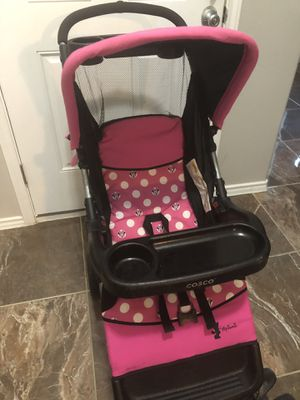 Stroller with car seat and base for the car very good conditions- only used like two-three times for Sale in Laredo, TX