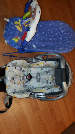 car seat, kick & play for Sale in Aurora, IL