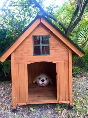 Wood Dog house for Sale in Hialeah, FL