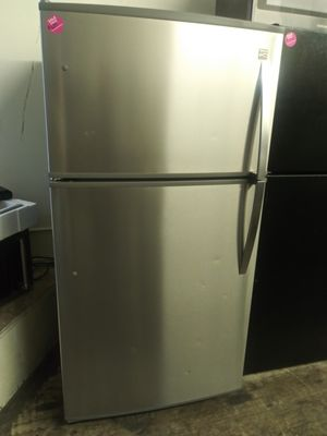 Kenmore stainless steel top mount refrigerator for Sale in Cleveland, OH