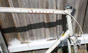 "27"" vintage Schwinn Travler road bike frame for Sale in Kissimmee, FL"