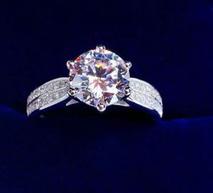 DAZZLING CUBIC ZIRCONIA WEDDING RING for Sale in Moline, IL